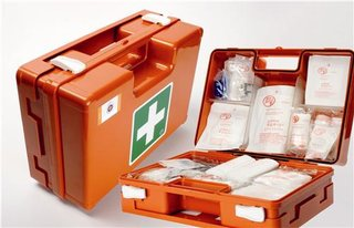 BHV verbandkoffer Oranje Kruis + Wandhouder